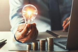 Por qué ahorrar antes de invertir